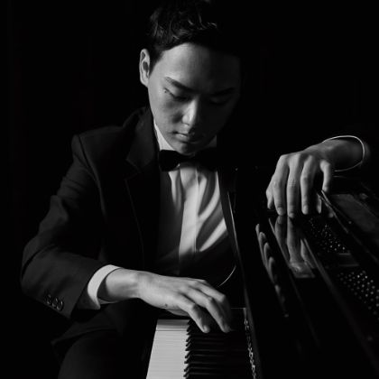http://www.steinway.com/news/features/changyong-shin-musical-expression