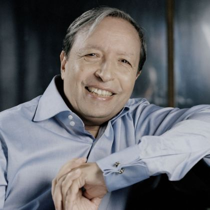 http://www.steinway.com/news/features/the-humanist-murray-perahia